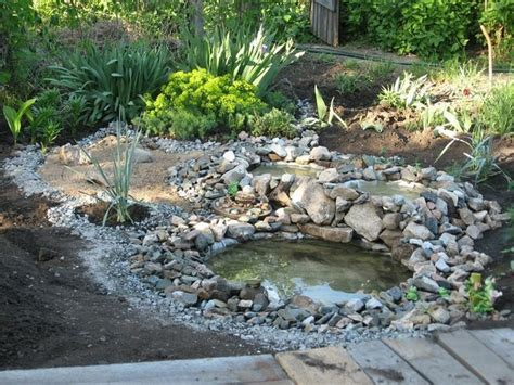 Laying Gravel In Backyard How To Make Recycled Tires Pond Diy Amp Crafts Handimania