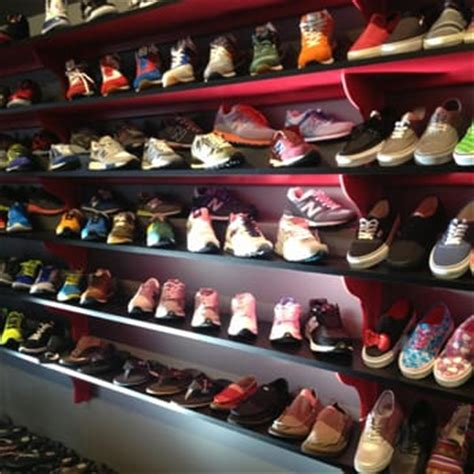 sports shoes stores footland sports 35 photos 35 reviews shoe stores