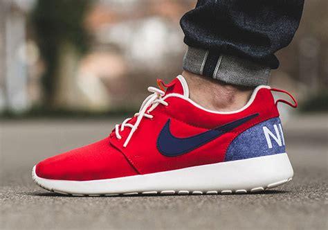Sneakers Casual Nike Roshe One Retro Crimson Original nike is officially calling the original roshe a retro