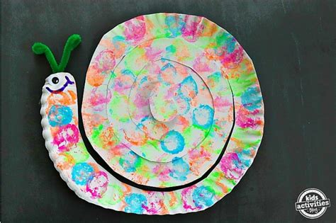 Snail Paper Plate Craft - cotton painted snail paper plate craft