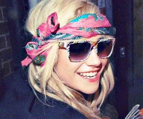 different ways to wear a bandana with hair bandanas make a great hair accessory women hairstyles