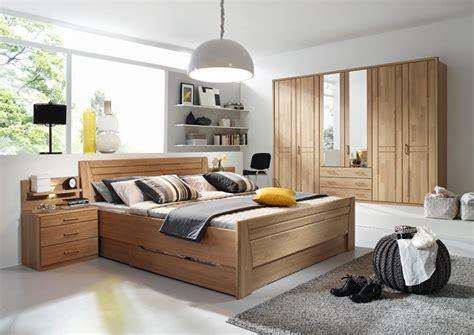 schlafzimmer natur schlafzimmer in erle natur teilmassiv kleiderschrank