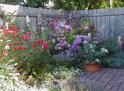 Explore Cornell Home Gardening Flower Garden Design Basics How To Plan A Flower Garden