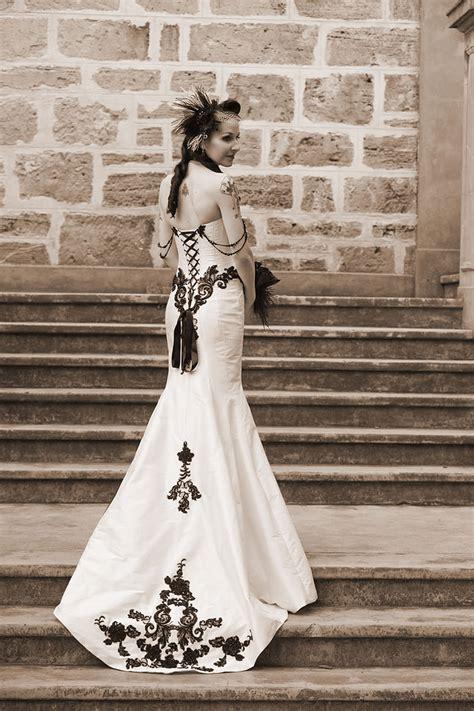 elegant victorian gothic wedding offbeat bride