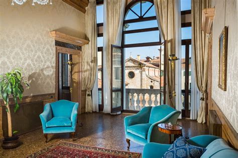 venice apartment it will cost you 2 400 000 to enjoy a stunning venice apartment