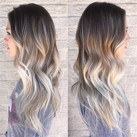 frosting your hair roots 25 best ideas about dark roots blonde hair on pinterest