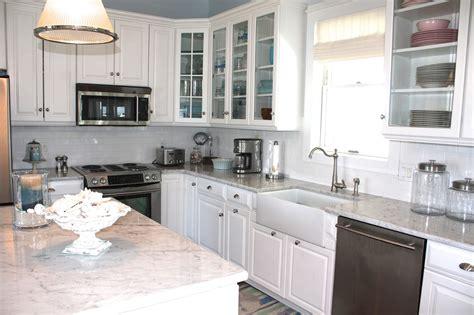 www kitchen sea glass cottage beach cottage kitchen