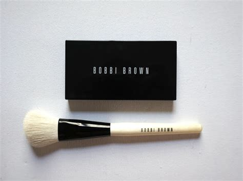 bobbi brown fan brush fan mail fridays my favorite makeup brushes the beauty