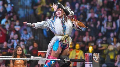 kairi sane  married japanese wrestler sareee signs