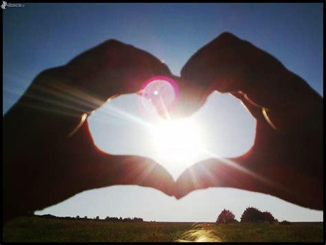 imagenes de love con las manos cuore delle mani