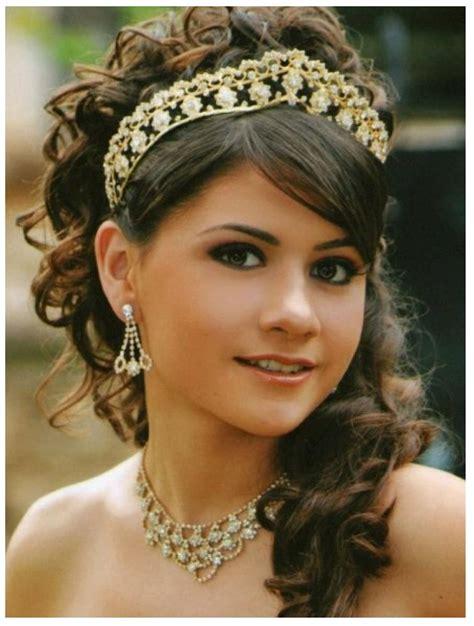 imagenes peinados para 15 con la coronita peinado moderno con tiara para xv a 241 os peinados faciles