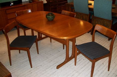teak dining room table and chairs scandinavian teak dining