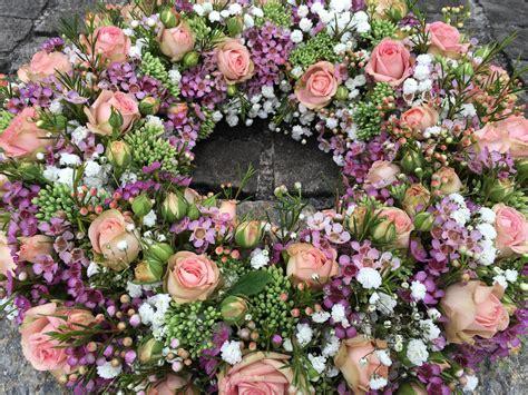 arte e fiori arte e fiori trauerkranz