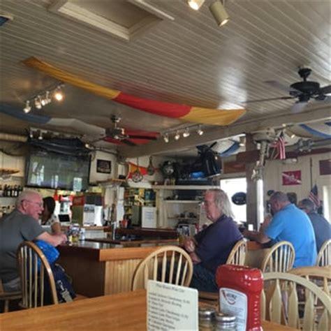 Pilot House Sandwich Ma by Pilot House Restaurant 68 Photos 63 Reviews Seafood 4 Western Ave Kennebunk Me
