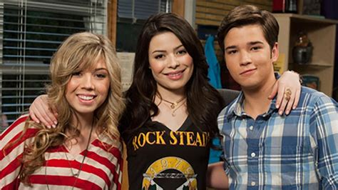 Nick Com Sweepstakes Icarly - nathan kress spills about the icarly love triangle j 14