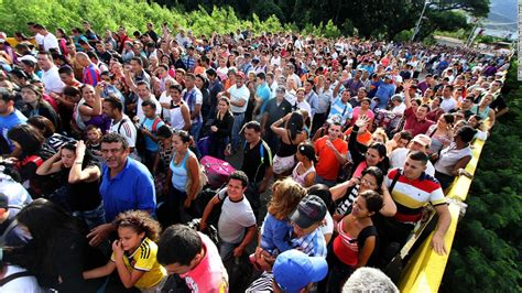 imagenes frontera venezuela colombia for venezuelans relief is across the bridge in colombia cnn
