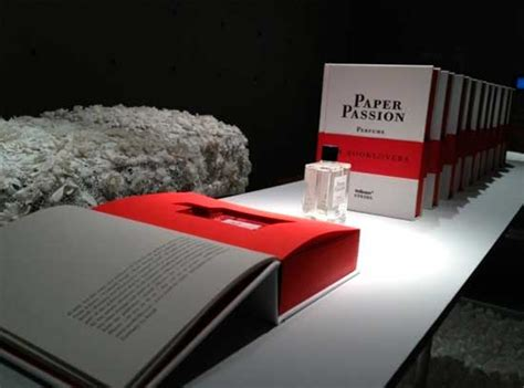 libro the passion according to ya existe un perfume con olor a libro nuevo paper passion