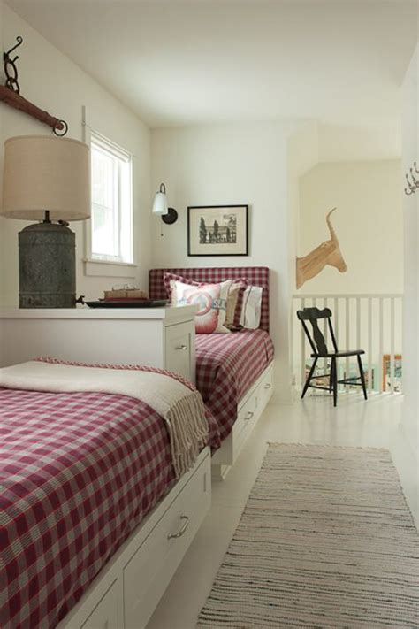 narrow twin bed 25 best ideas about long narrow bedroom on pinterest