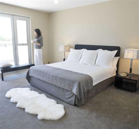 sheepskin rug bedroom 15 ideas to decorate with a sheepskin rug custom home design