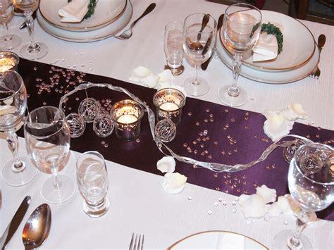 tisch deko hochzeit tischdekoration hochzeit lila kaosmt2