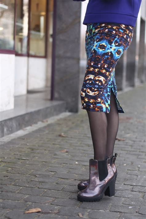 neoprene sweater print pencil skirt holographic