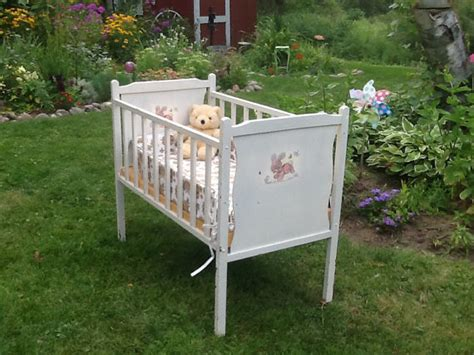 Vintage Baby Crib by Vintage Crib Small Crib Vintage Bassinet By