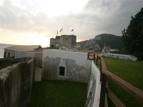 centro commerciale il gabbiano orari finale ligure aperture straordinarie della fortezza di