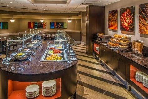the landing breakfast buffet picture of crowne plaza