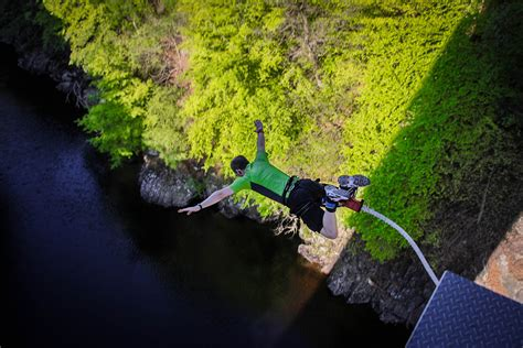 best bungee jumping the best places to bungee jump around the world travefy