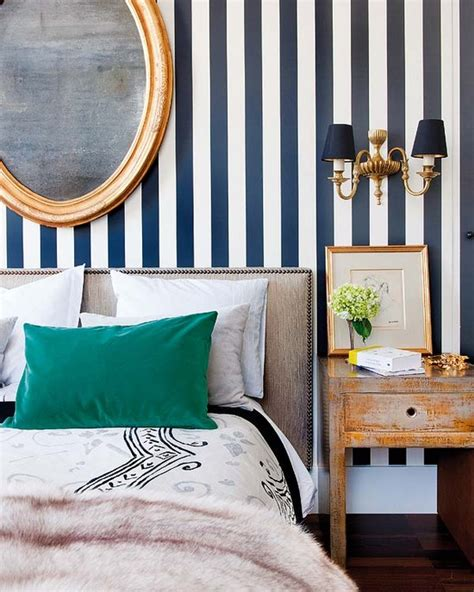 bedroom wallpaper stripes white and navy blue striped wall eclectic bedroom nuevo estilo