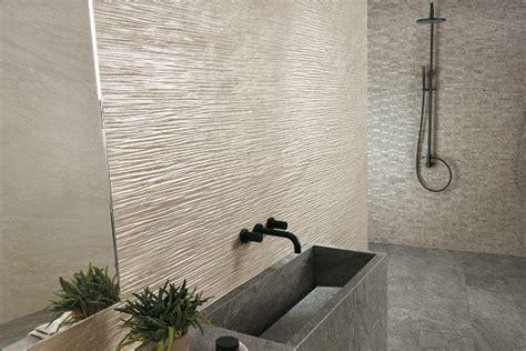 copertura piastrelle bagno habimat pietre e marmo ispirano le collezioni di atlas