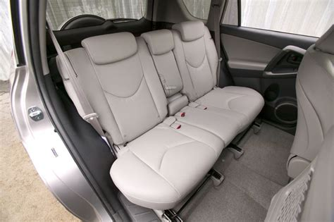 Toyota Rav4 Seats How Many by 2006 Toyota Rav4 Limited Rear Seats Picture Pic Image