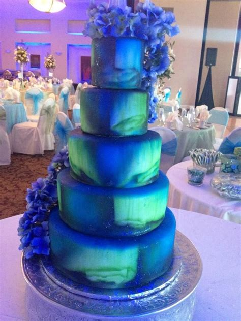 Northern Lights Decorations by Northern Lights Wedding Cake Borealis Annacakes