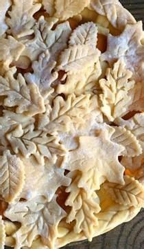 leaf pattern for pie crust wedding ideas rustic 6 weddbook