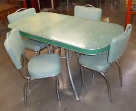 retro vegas tables