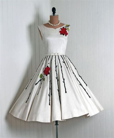 Timeless Fashion At Sielian Vintage Apparel by 25 Best Ideas About 50s Dresses On Vintage