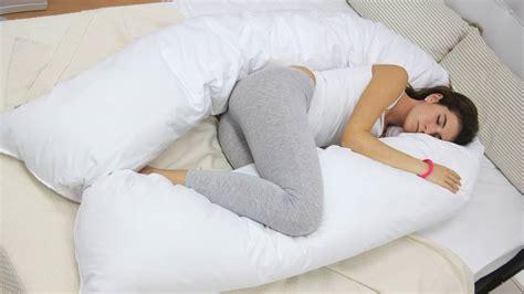 almohada para abrazar utiliza la almohada para evitar problemas de espalda as