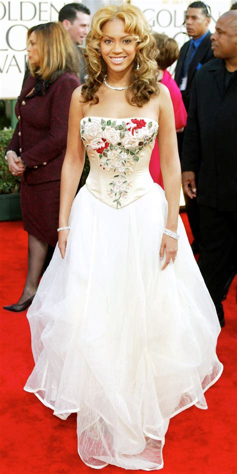 Beyonce Wedding Gown by Beyonce In White Dresses Beyonce Wearing Wedding Dresses
