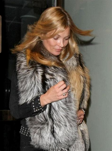 Starry Starry Kate Moss Celebrates Turning 34 by Kate Moss Is Inundated With Bouquets Of Roses On 41st