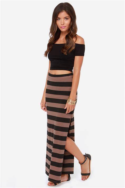 brown patterned maxi skirt billabong glass petals skirt black striped skirt maxi