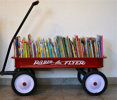 libro a room full of real life one day at a time a wagon full of books