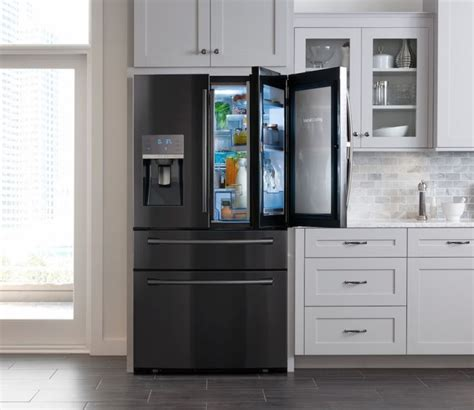 black kitchen cabinets with stainless steel appliances best 25 black stainless steel ideas on pinterest