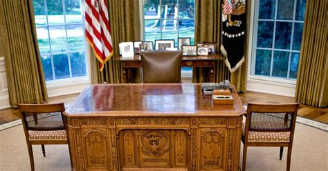 oval office table take note presidents live fewer years