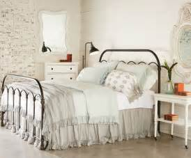 Home Decor Beds Magnolia Homes Magnolias And Primitives On
