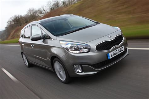 Kia Caren Price Kia Carens Mpv Review Carbuyer