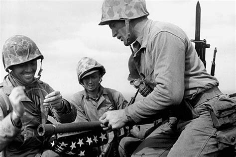 World War Ii Records Corpsman Was Part Of 1st Iwo Jima Flag Raising Marine Corps Finds