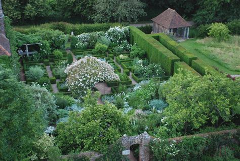 Formal Garden Layout - englishmen painting with plants part ii mind the gap