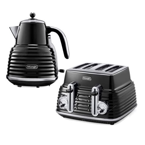 Delonghi Black Kettle And Toaster de longhi scultura 4 slice toaster and kettle bundle black high gloss homeware thehut