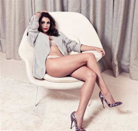 morena baccarin weight, height and age. we know it all!