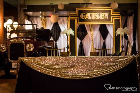 gatsby prom ideas just a sparkly fabric on top of black table changes it no